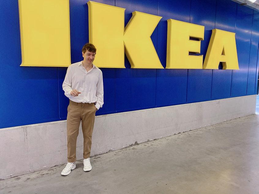 muebles basicos de Ikea the trendy man