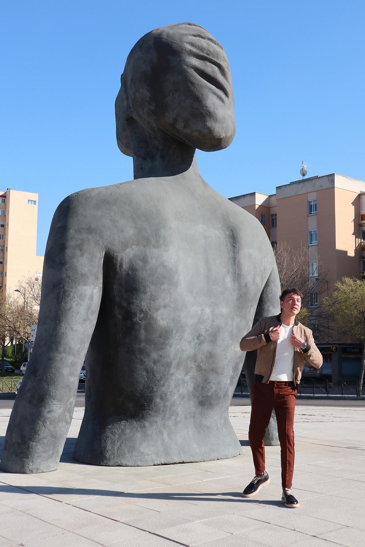 the trendy man la mujer de coslada estatua antonio lopez