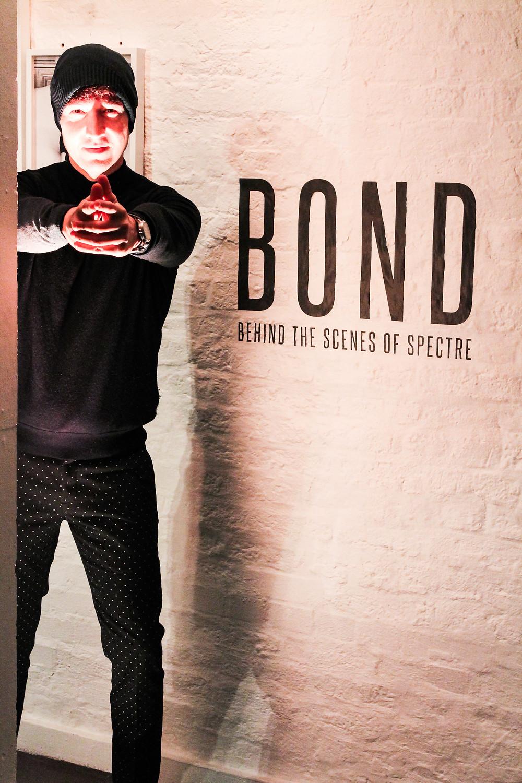 The Trendy Man en la exposición sobre los vehículos de James Bond
