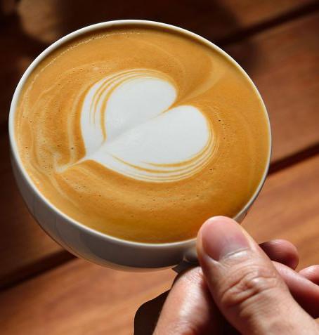 DIBUJA UN CORAZÓN EN TU CAFÉ