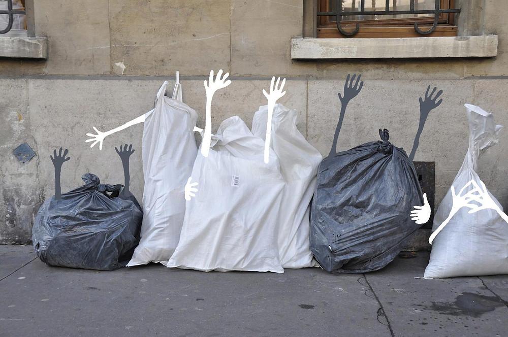 Sandrine Estrade expone su obra de vez en cuando en Paris.