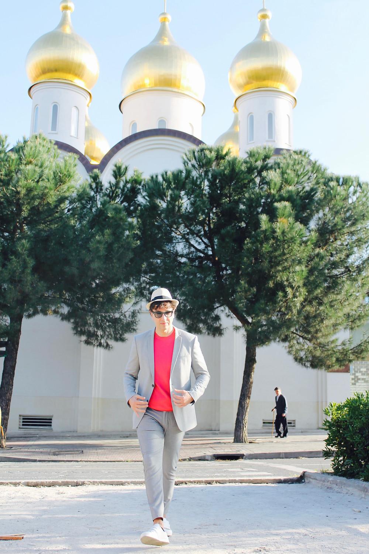 the trendy man en la Iglesia Ortodoxa Rusa de Madrid