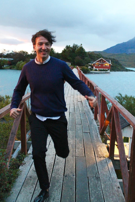 Miguel Biedma vestido por COS