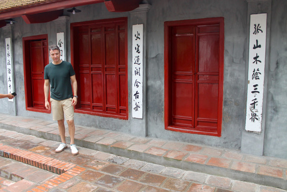 the-trendy-man-en-templo-vietnam.jpg