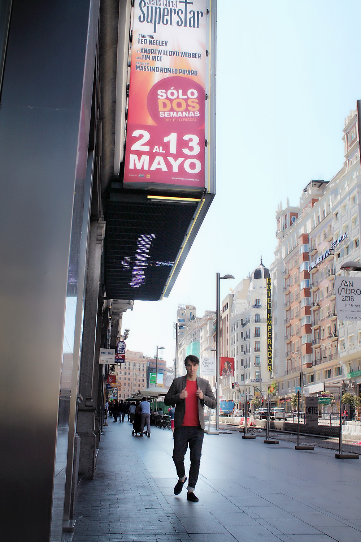 The trendy Man en la Gran Vía de Madrid