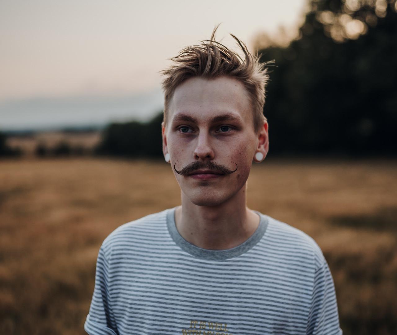 bigote manillar.jpg