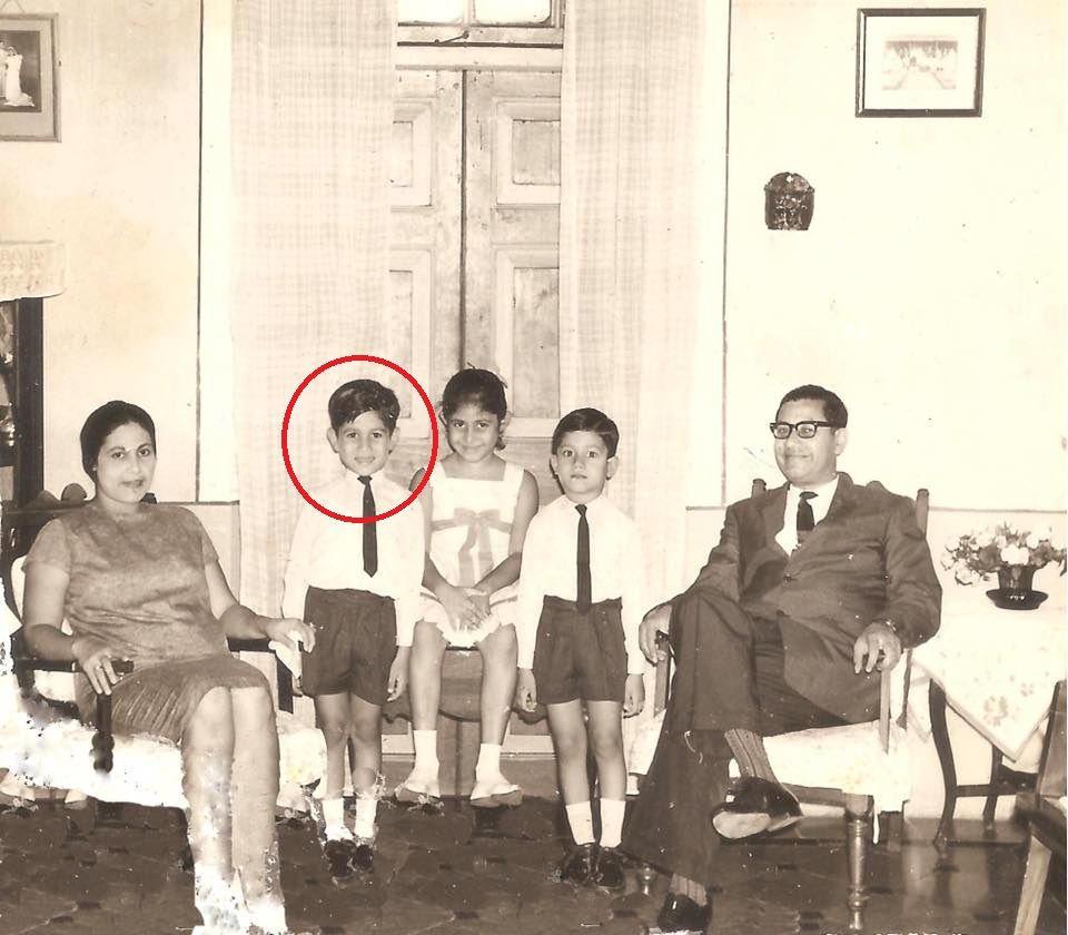 Denzil-Smith-with-his-family.jpg