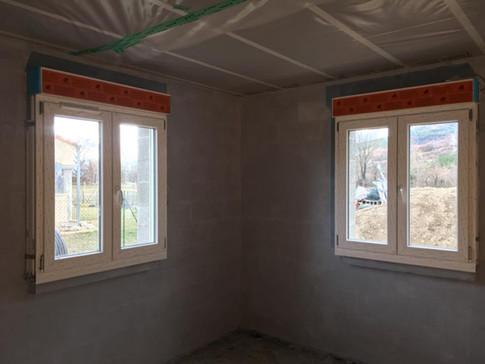 préparation à la pause de faux plafond