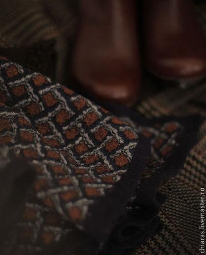 MERINO-SILK SCARF 'PORTRAYING HOLMES' 6.jpg