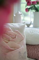Rose Pillow01res.jpg