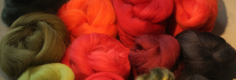 """POPPY FLOWERS"" KIT. Felting Wool Merino Fiber+3 Shades SilkyFibers and Roving"