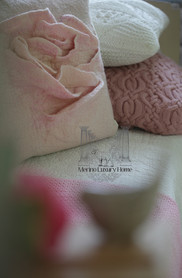 Rose Pillow03res.jpg
