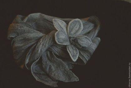 Scarf&Brooch Orchid 'Black&White Dreams'.jpg