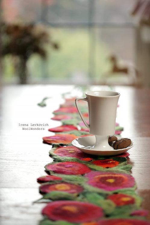 """Art table runner """"Poppy seed Flowers"""""""