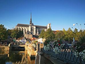 Vue Cathédrale Amiens - locations dans les Hortillonnages à Amiens