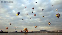 Kijas Cola Hot Air Balloon Blue Sky