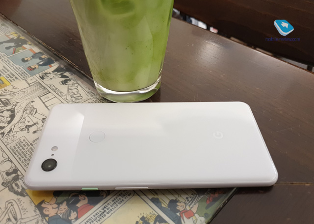 Pixel 3 XL on the side in white