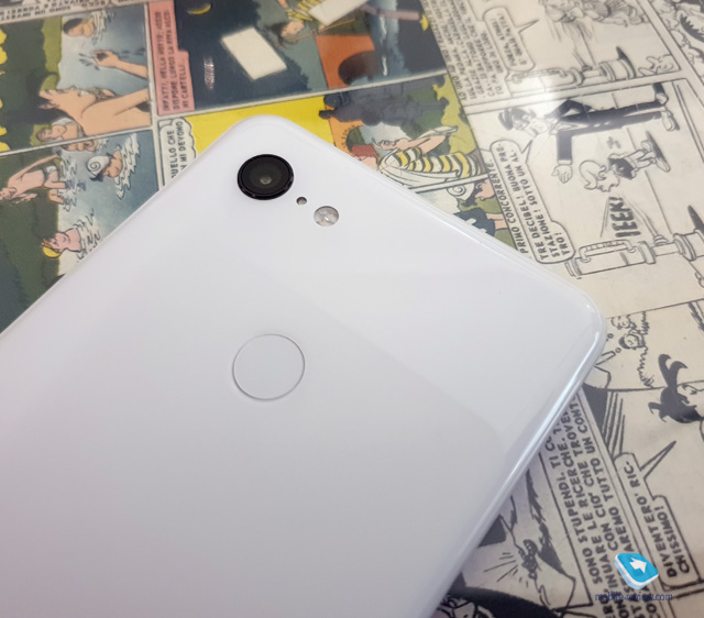Pixel 3 XL titled side in white