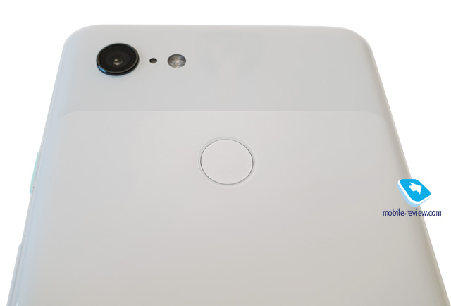 Pixel 3 XL rear in white from bottom