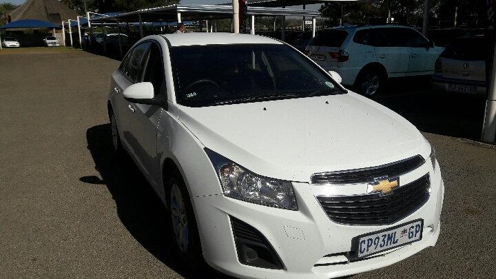 2013 Chevrolet Cruze 1.6 LS (White)