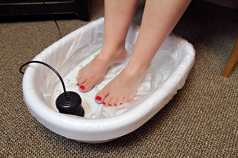 foot-bath-feet.png