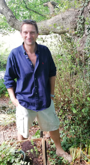 Dr Michael Scott