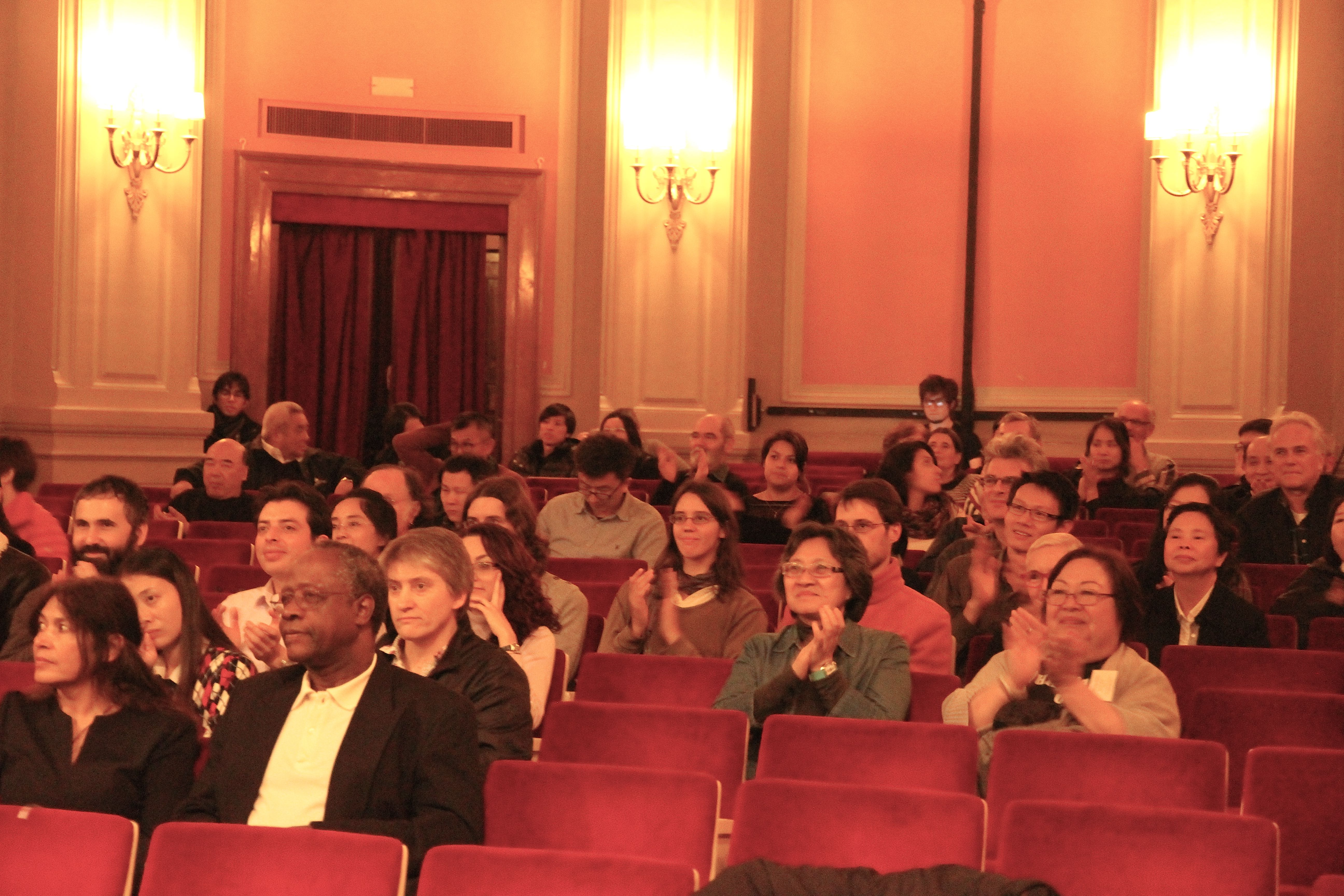 102.IMG_3501.Yijiaren.audience.jpg