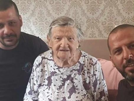 Arab plumbers didn't charge an Israeli woman a Holocaust survivor