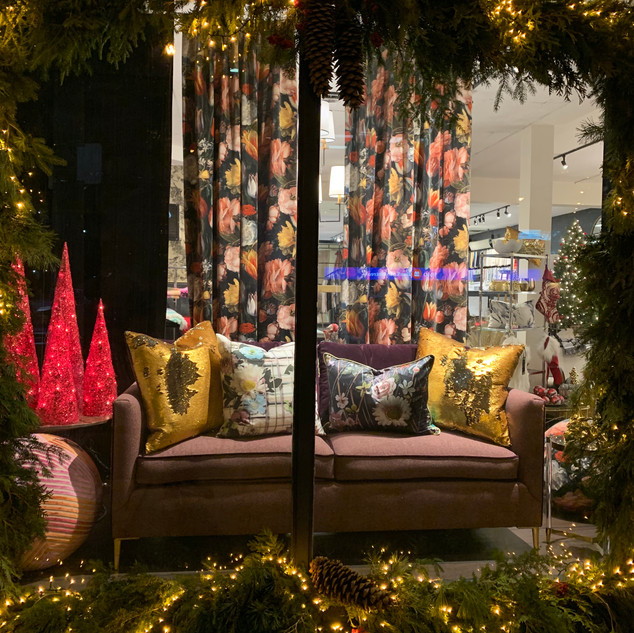 2018 Christmas window display