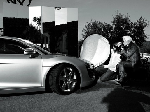 """O Legado de Karl Lagerfeld: """"Se eu não estivesse na moda, estaria na propaganda."""""""