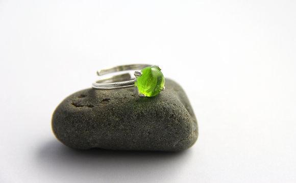 Bague en verre vert
