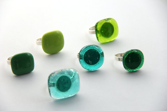 Bague en verre vert turquoise