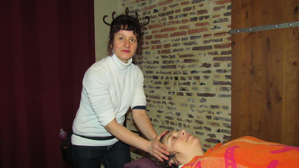 Massage de la tête par Line