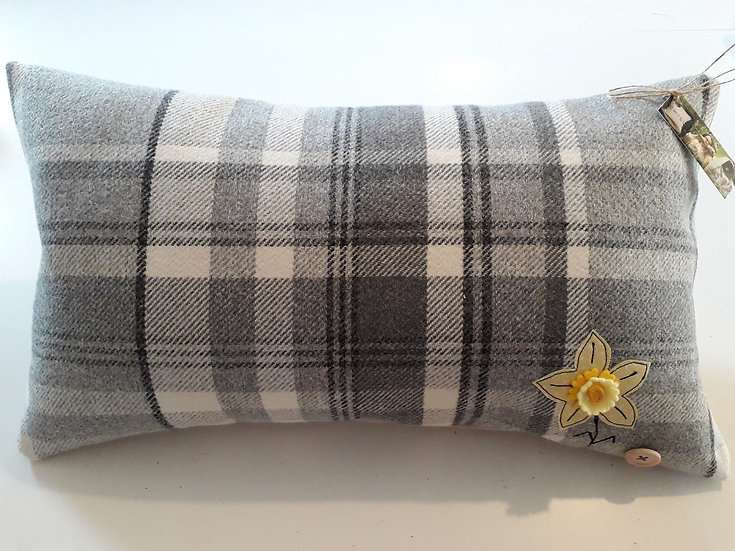 Rectangle Daffodil Cushion