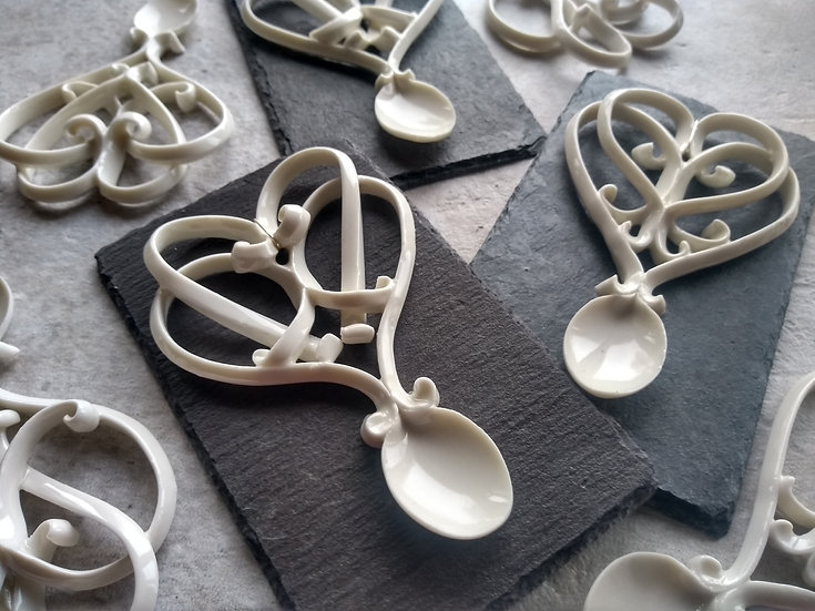 Porcelain Double Heart Love Spoon - Slate Mounted