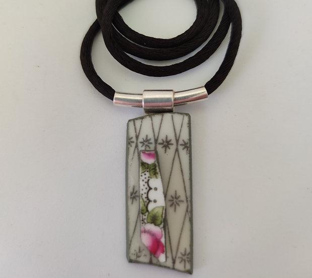 Victorian Garden Trellis Necklace Design 1