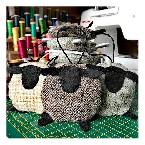 Tweed lamb lavender sachet