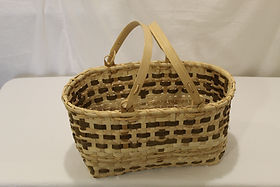 Ash Handled marke basket handle up.JPG
