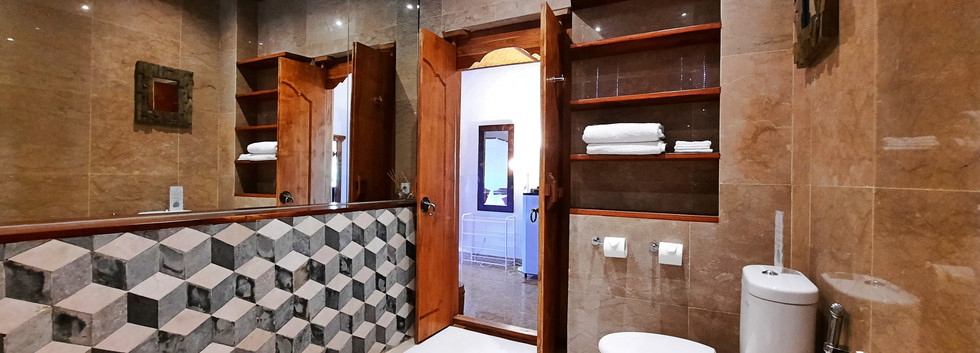 Room 12_09.jpg