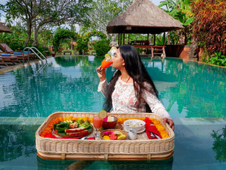 Floating Dining