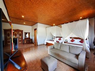 Room 12 - Nakula & Sahadewa