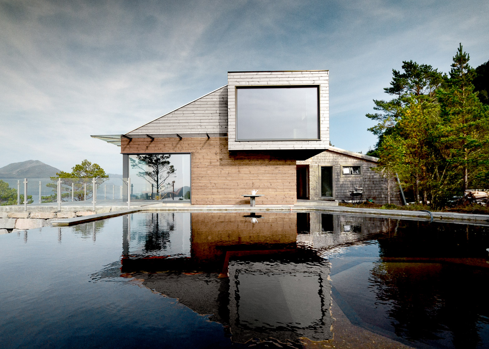 cabin-straumsnes-rever-drage-architects-norway_dezeen_1568_0