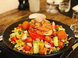 Salade Tomaat Garnaal 🥗🍽 #restaurantla