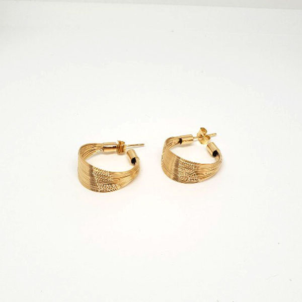 Gold bold C ring
