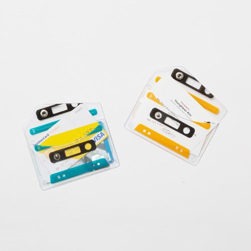 play-cassette_earphone-case_shop-03.jpg
