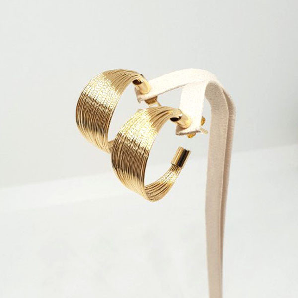 C026 Gold Bold C ring (4).jpg