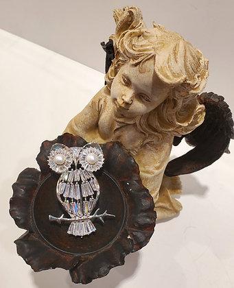 Pearl owl brooch