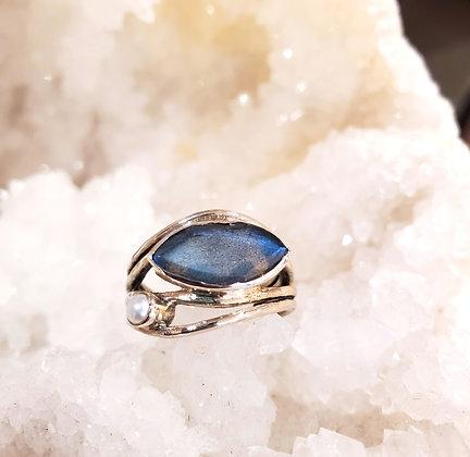 Labradorite, Pearl ring