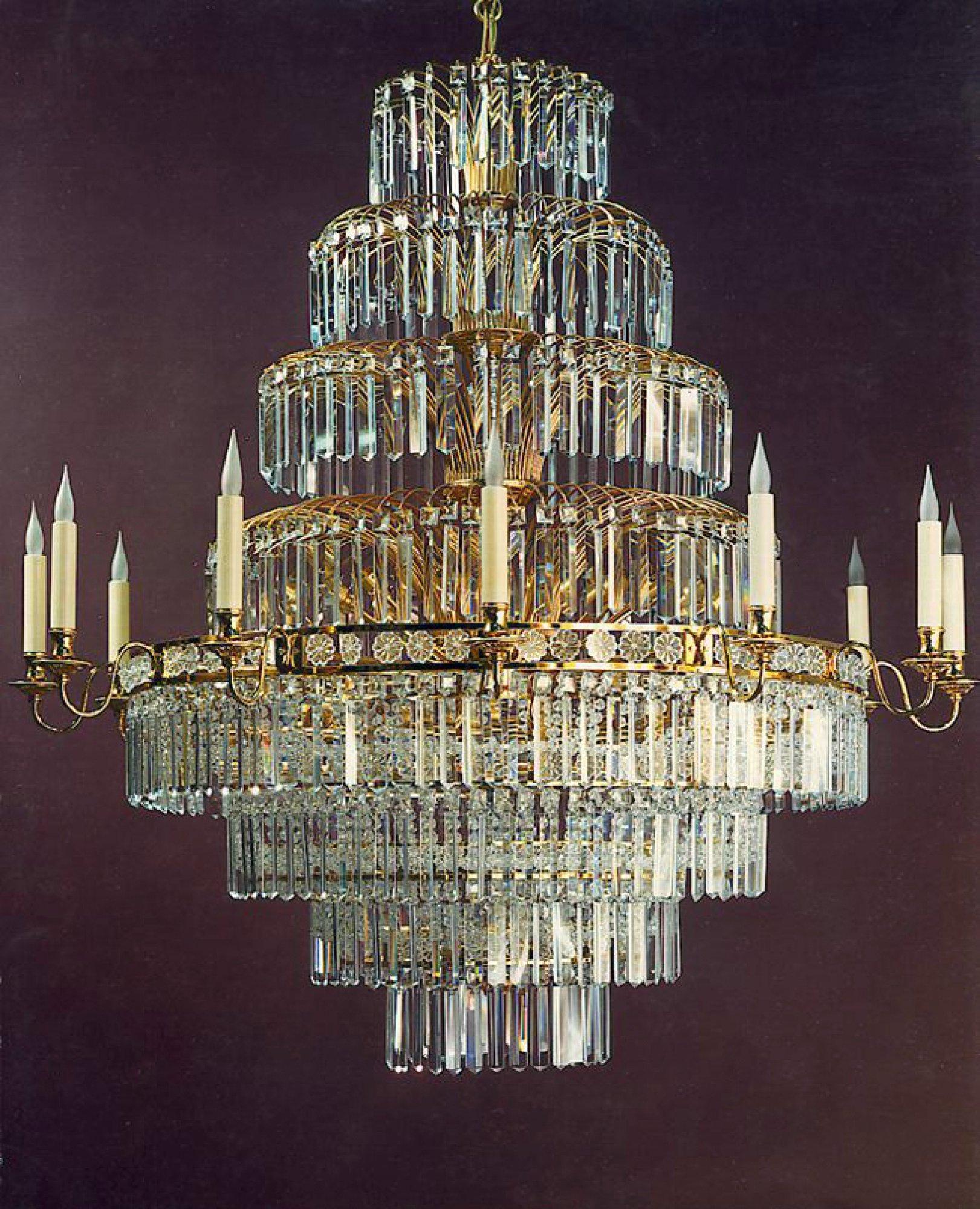 """Jet d'eau"" chandelier"