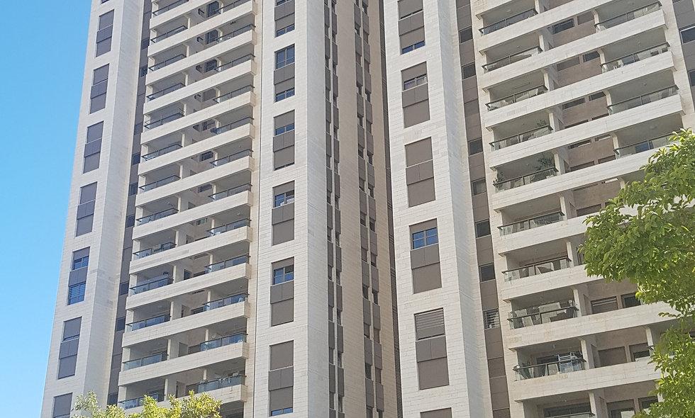 דירה למכירה במגדלי תל אביב | 5 חדרים